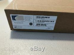 BRAND NEW Ubiquiti Networks Unifi UAP-AC-PRO-US Access Point FACTORY SEALED