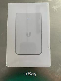 Ubiquiti UniFi In-Wall HD Access Point (UAP-IW-HD-US) In-Wall 802.11ac Wave 2 Wi